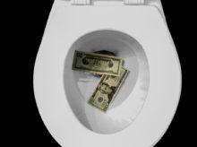 Peníze v záchodu